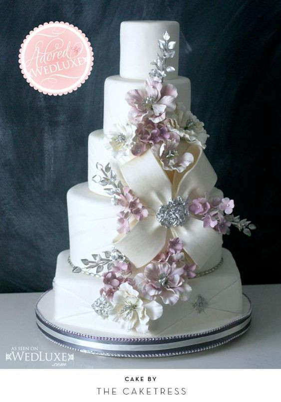 Wedding Cakes Toronto  Toronto Elegant Wedding Cakes by The Caketress Stylish