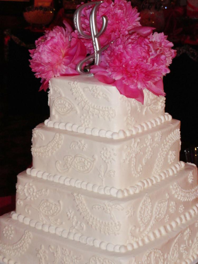 Wedding Cakes Tulsa Ok  Serving Hands