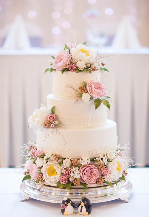 Wedding Cakes Tumblr  MERRY BRIDES — Vintage Style Wedding Cakes