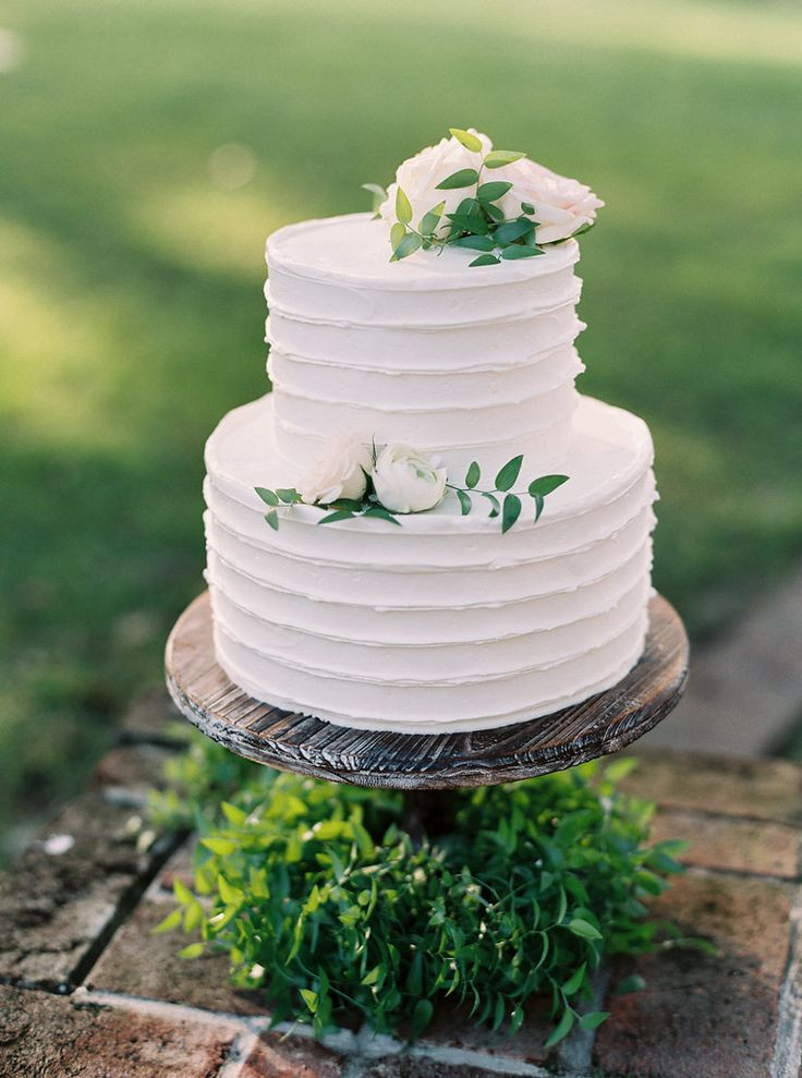 Wedding Cakes Two Tiers  Lovely two tier wedding Cake Just the right size
