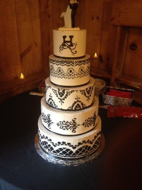 Wedding Cakes Vt  Dellveneri Bakery Wedding Cake Vermont Burlington