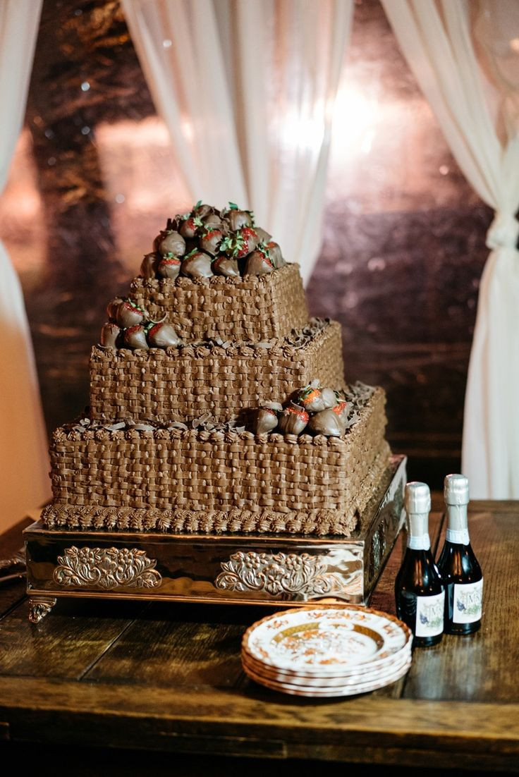 Wedding Cakes Waco Tx  17 Best images about Groom s Cakes on Pinterest