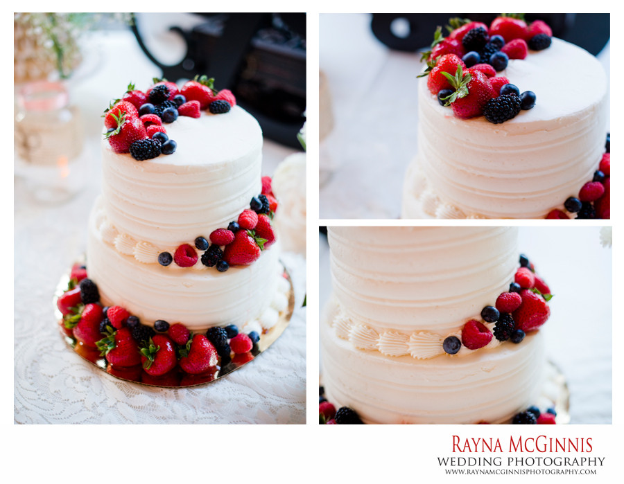 Wedding Cakes Whole Foods  Littleton Wedding graphy at Hudson Gardens