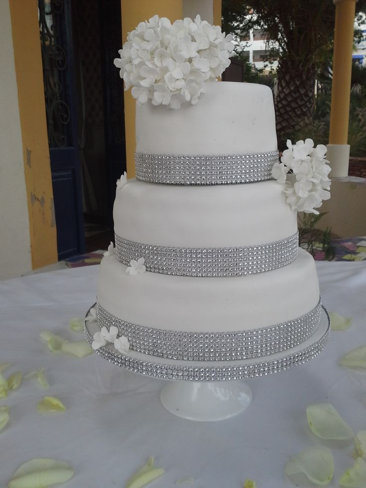 Wedding Cakes With Bling  bling wedding cakes