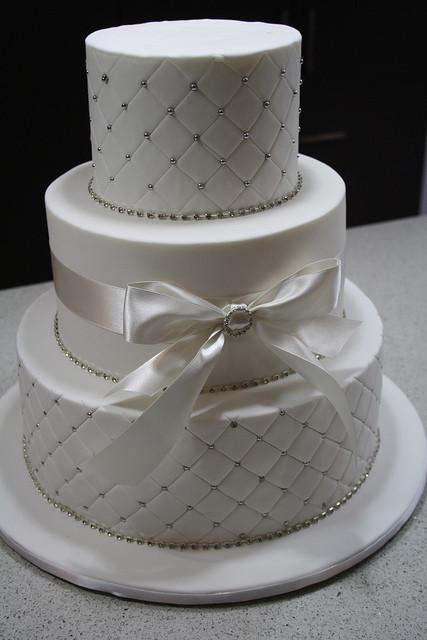 Wedding Cakes With Bows  f6b8433c16 z