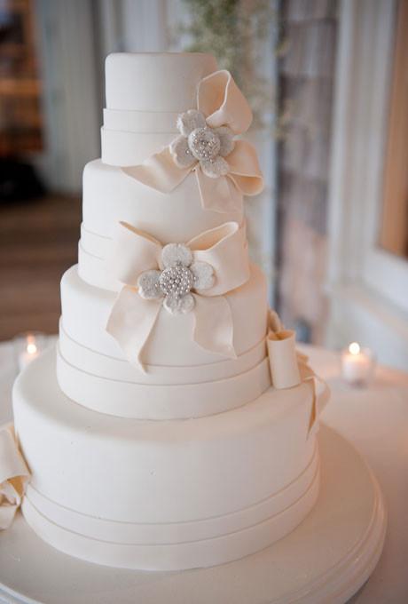 Wedding Cakes With Bows  Jeweled Fondant Bows Cake Wedding Cakes s