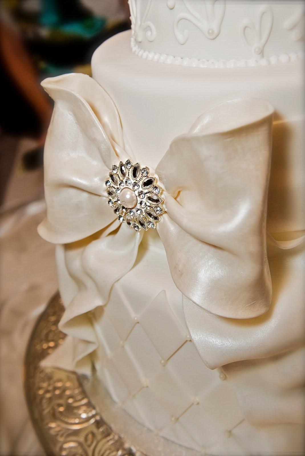 Wedding Cakes With Bows  The Good Apple Big Bow Wedding Cake