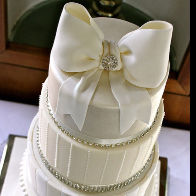 Wedding Cakes With Bows  Wedding cake with bow