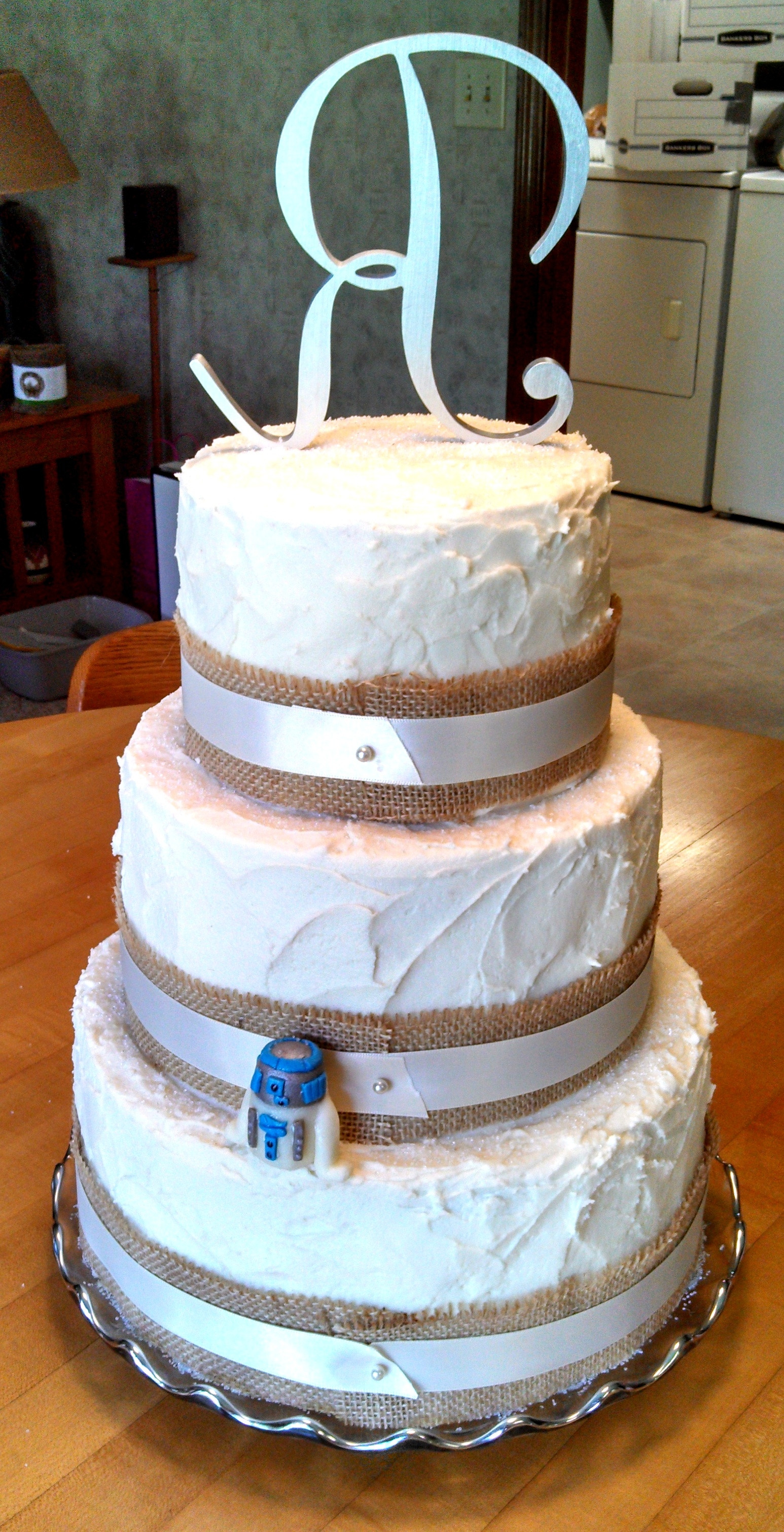 Wedding Cakes With Burlap Ribbon  Rustic Style Wedding Cake With Burlap And Ivory Ribbon