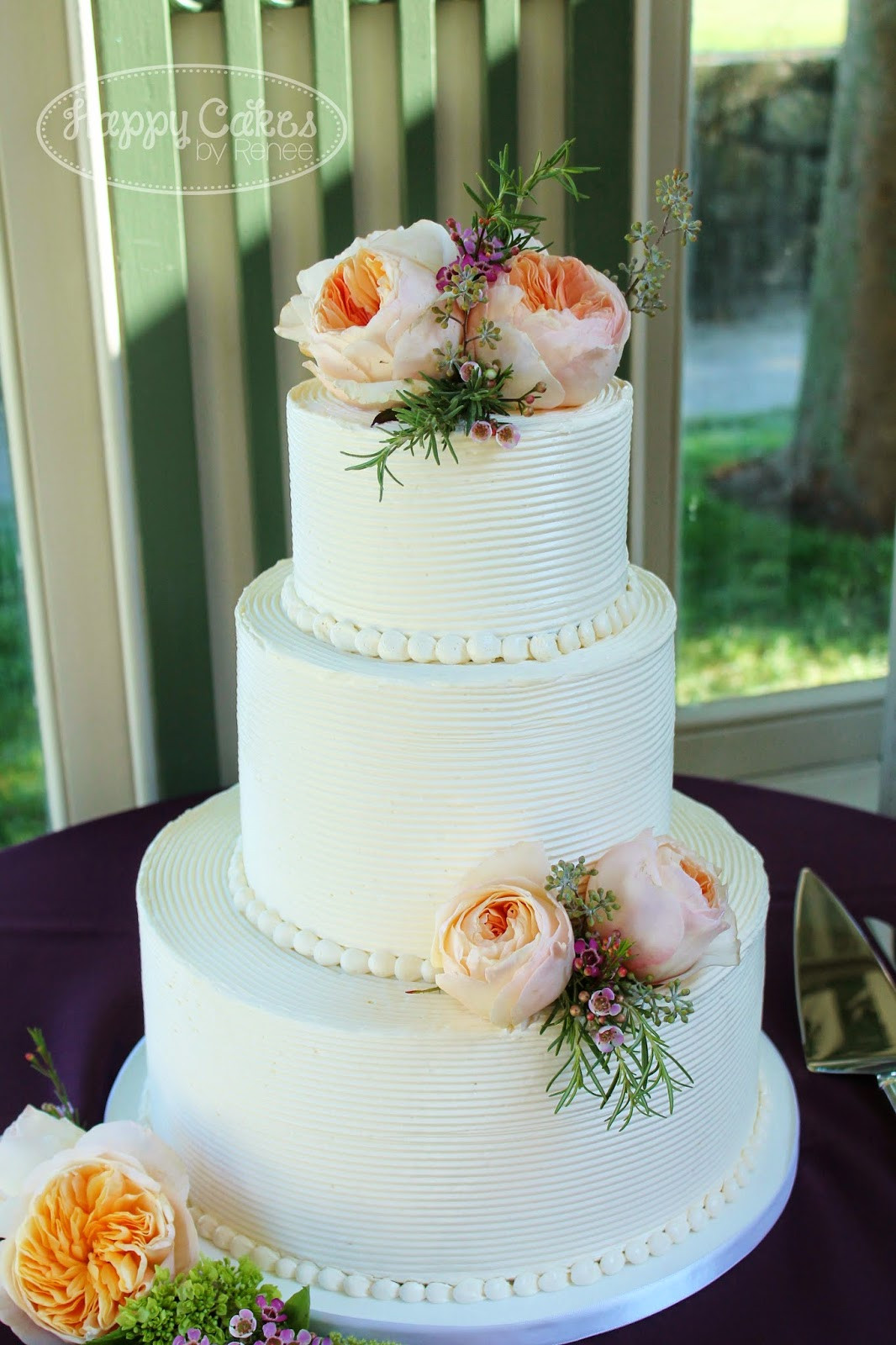 Wedding Cakes With Buttercream Frosting  Happy Cakes Bakes bed Buttercream Cake