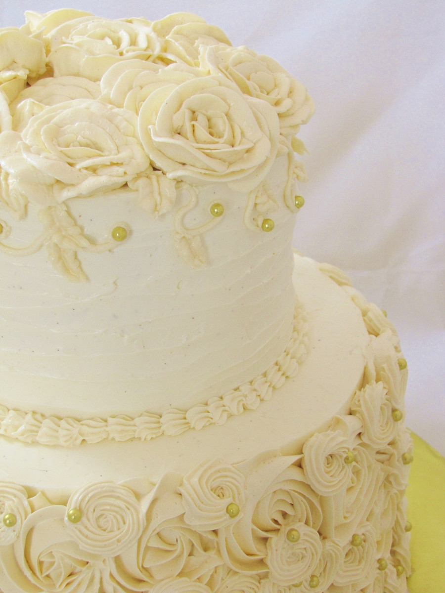 Wedding Cakes With Buttercream Frosting  Round Piped Buttercream Wedding Cake CakeCentral
