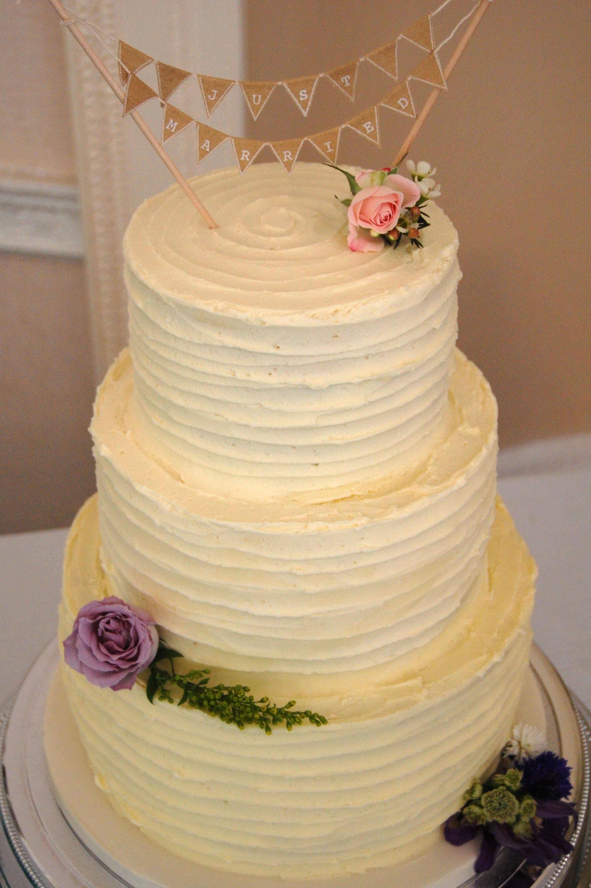 Wedding Cakes With Buttercream Icing  Wedding Cupcake Buttercream Recipe — Dishmaps