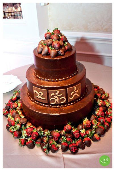Wedding Cakes With Chocolate Covered Strawberries  122 best images about Chocolate Wedding on Pinterest