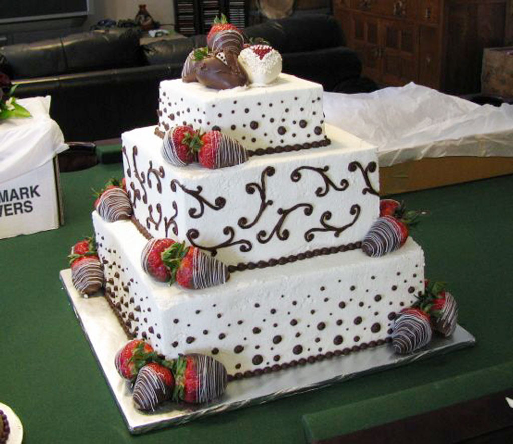 Wedding Cakes With Chocolate Covered Strawberries  Chocolate Covered Strawberry Wedding Cake Wedding Cake