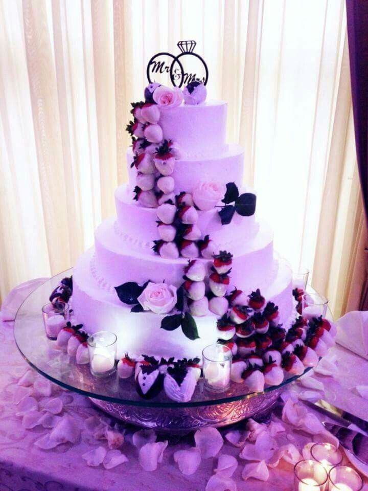 Wedding Cakes With Chocolate Covered Strawberries  White chocolate dipped strawberry wedding cake