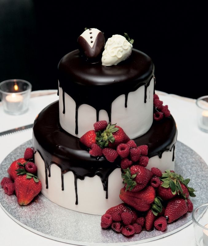 Wedding Cakes With Chocolate Covered Strawberries  223 best Chocolate Wedding images on Pinterest
