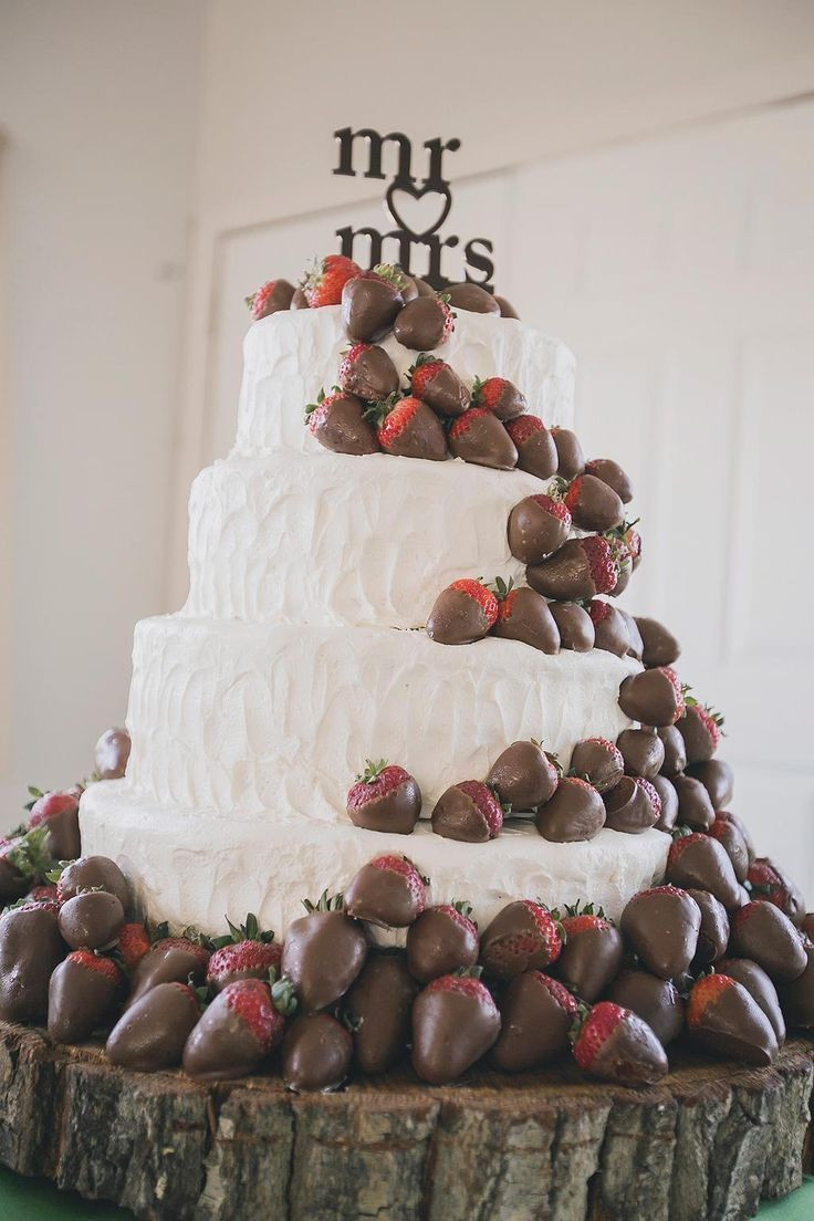 Wedding Cakes With Chocolate Covered Strawberries  3019 best images about Rustic Wedding Ideas on Pinterest