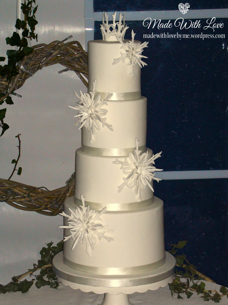 Wedding Cakes With Crystals  Ice Crystals Wedding Cake