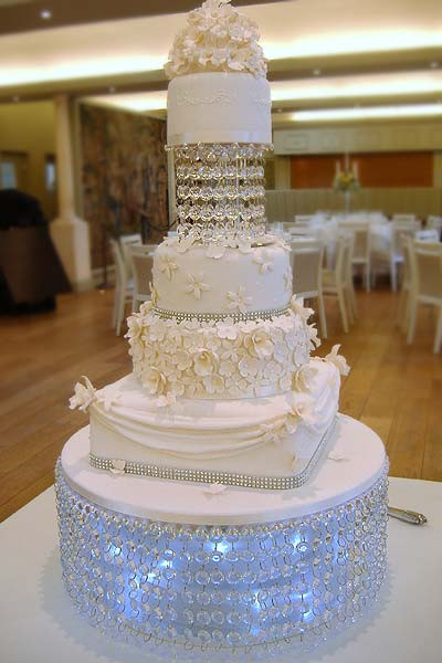 Wedding Cakes With Crystals  Wedding Cakes in Kent