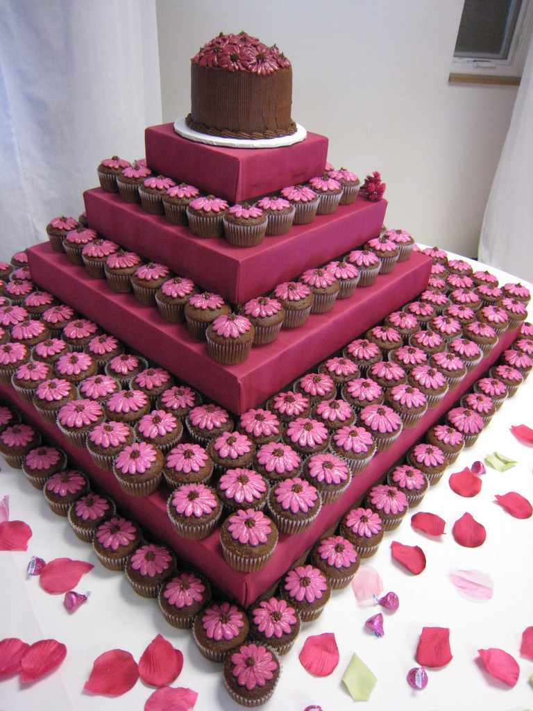 Wedding Cakes With Cupcakes  Guest Post Wedding Cake Ideas for the Bud minded Couple