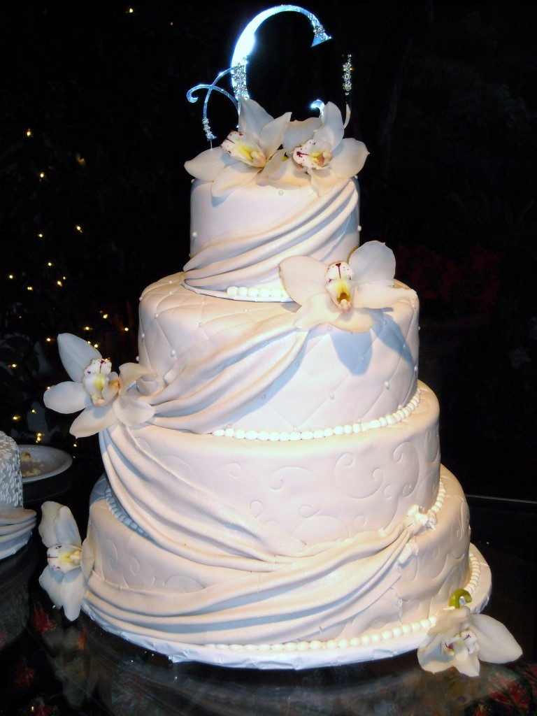 Wedding Cakes With Fondant  Fondant Wedding Cakes Fondant Cake