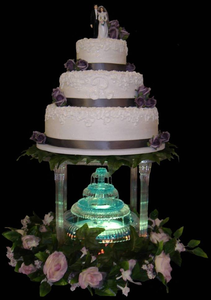 Wedding Cakes With Fountain  Wedding Cakes With Fountains