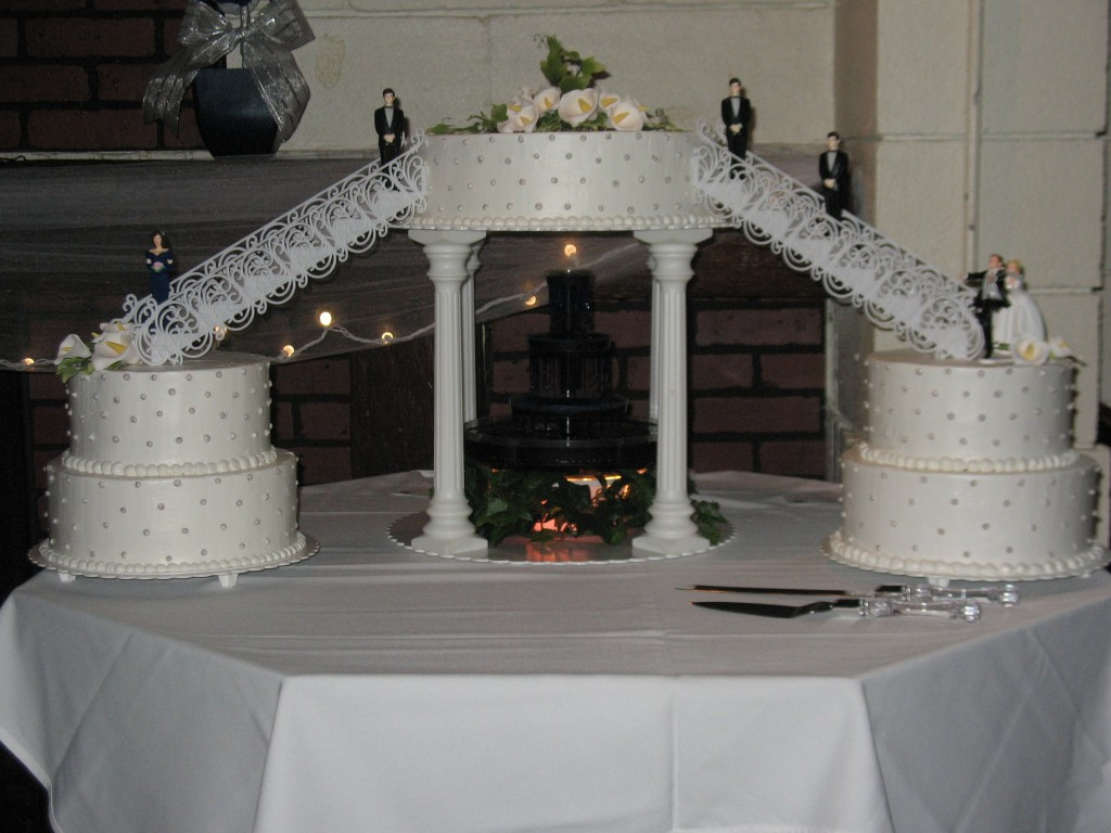 Wedding Cakes With Fountain And Stairs  Gallery Grandma s Country Oven Bake Shoppe