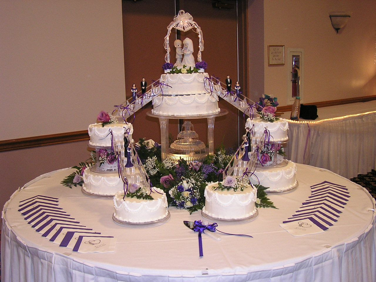 Wedding Cakes With Fountain And Stairs  Wedding Cakes with Fountains