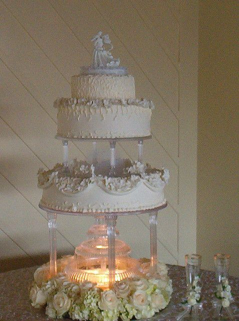 Wedding Cakes With Fountain  17 Best images about wedding cakes on Pinterest