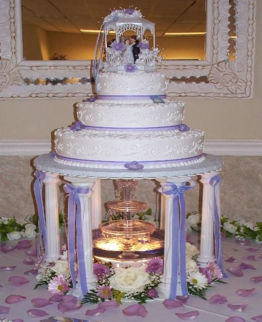 Wedding Cakes With Fountain  25 best ideas about Fountain Wedding Cakes on Pinterest