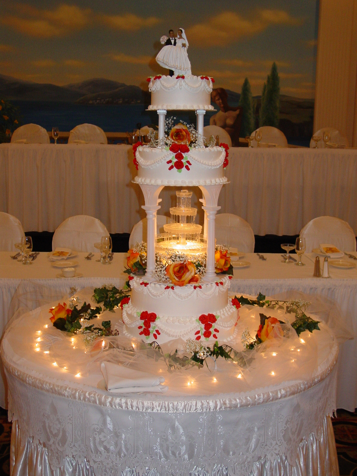 Wedding Cakes With Fountains And Lights  Bunch Ideas Wedding Cakes with Lights with Additional