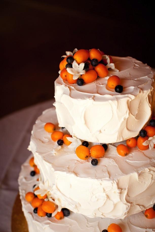 Wedding Cakes With Fruit  13 Stunning Wedding Cakes Topped With Fruit