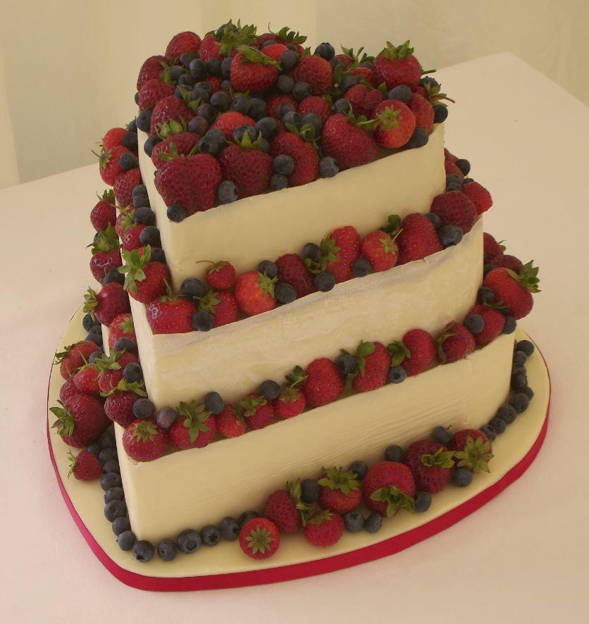 Wedding Cakes With Fruit  Wedding fruit cake idea in 2017