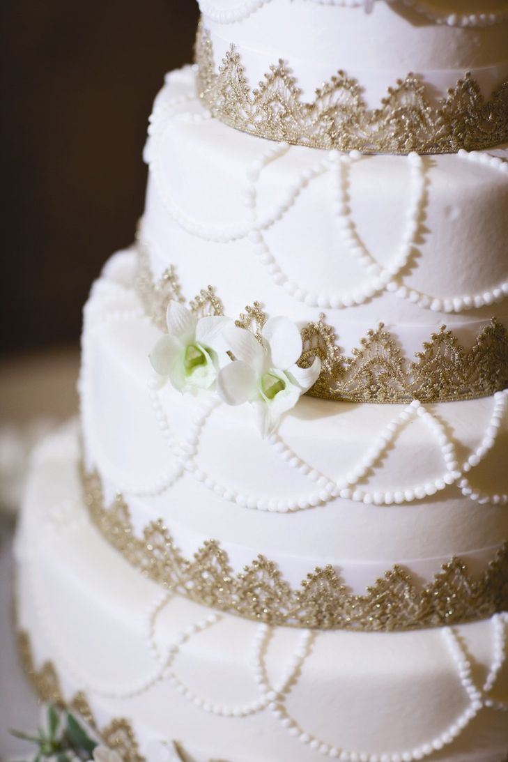 Wedding Cakes With Gold Accents  Gold Accent Cake