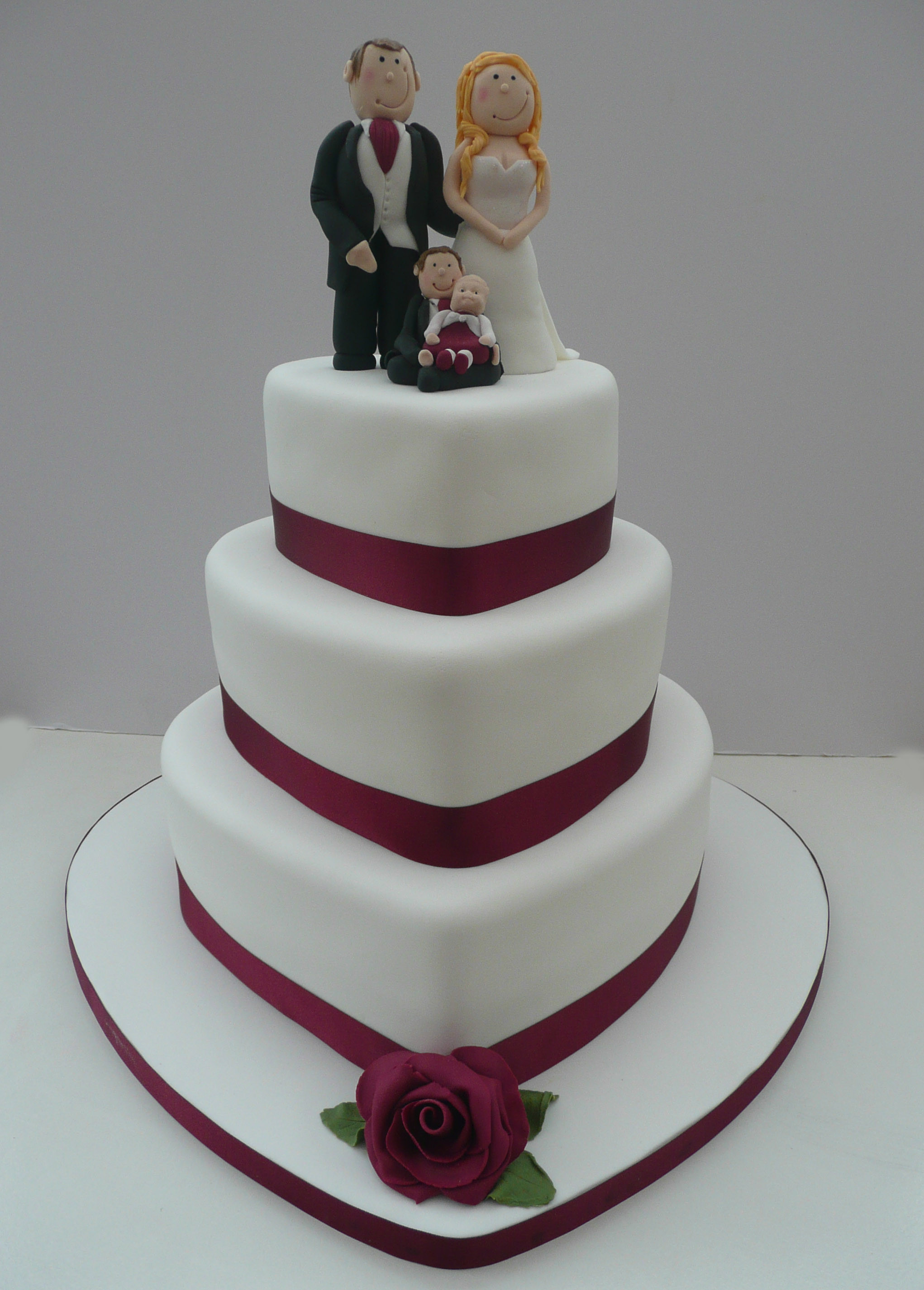 Wedding Cakes With Hearts  Wedding Cakes – inspiring designs