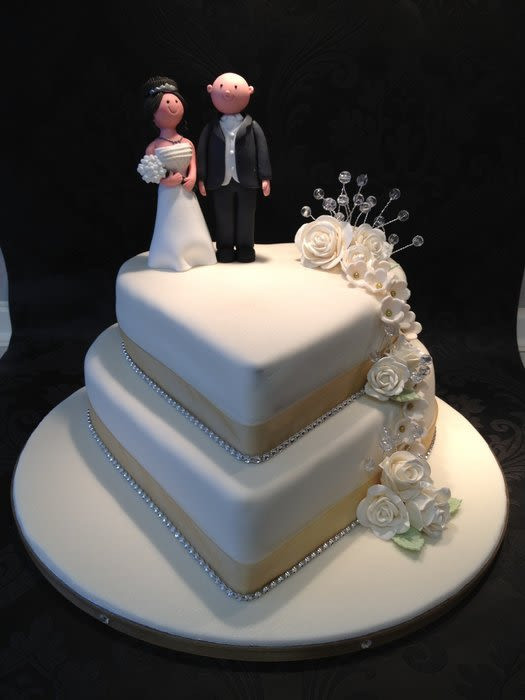 Wedding Cakes With Hearts  2 tier heart wedding cake cake by berryliciouscakes