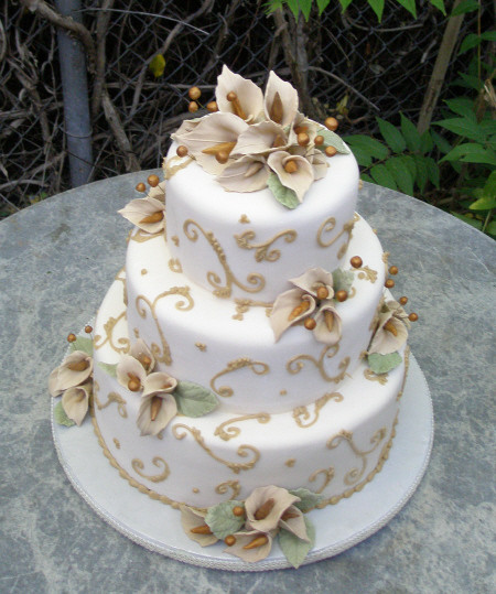 Wedding Cakes With Lilies  Chamange Calla lily Wedding cake – Sedona Wedding Cakes