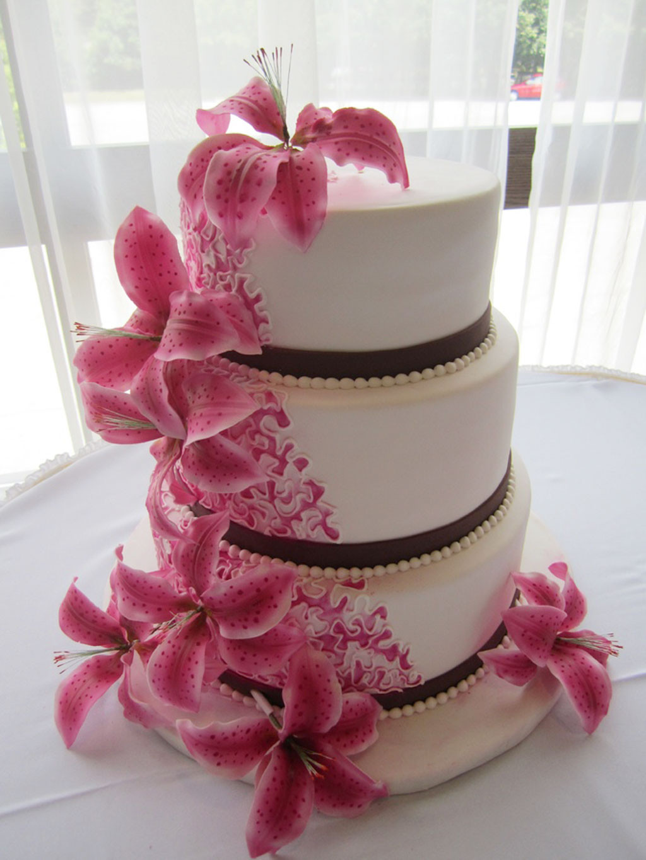 Wedding Cakes With Lilies  Round Stargazer Lilies Wedding Cakes Wedding Cake Cake