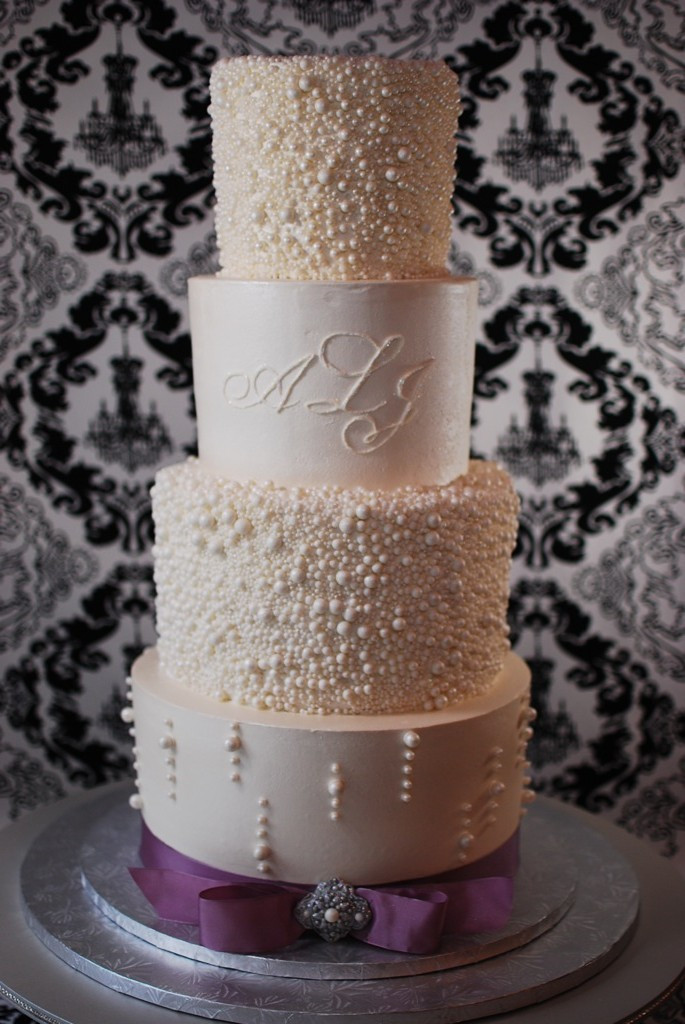 Wedding Cakes With Pearls  pearl wedding cakes