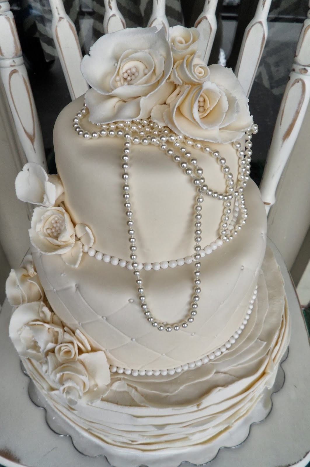 Wedding Cakes With Pearls  Hot Pink Cakes