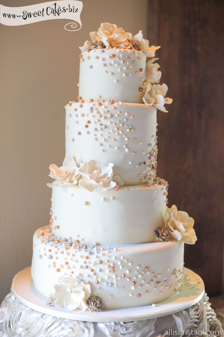 Wedding Cakes With Pearls  Top 10 Wedding Cakes with Pearls Elegant Inspiration