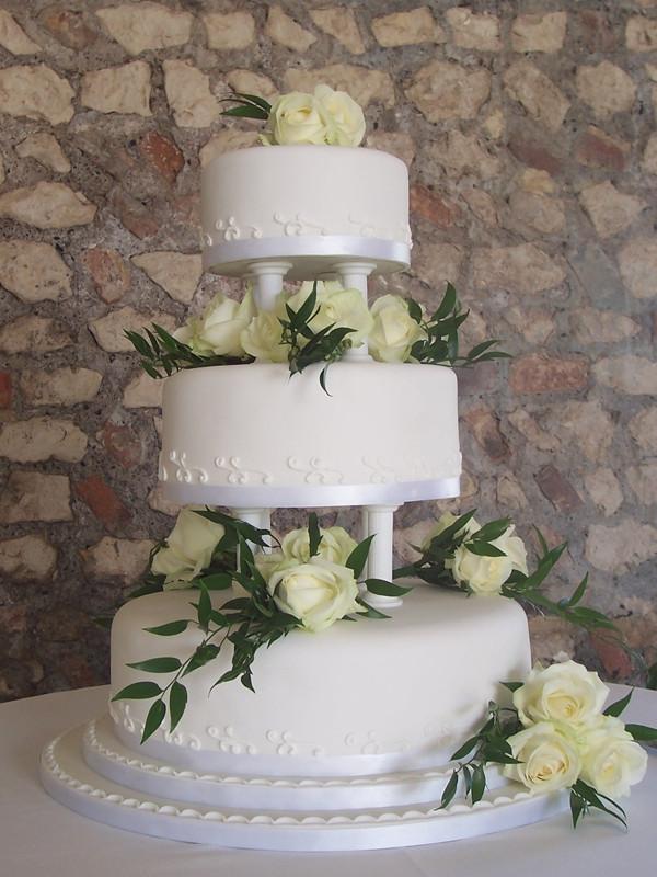 Wedding Cakes With Pillars  Wedding cakes with pillars idea in 2017