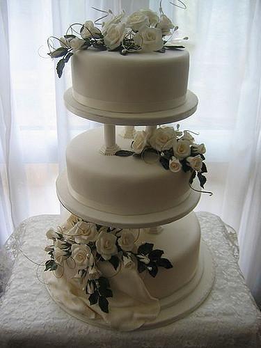 Wedding Cakes With Pillars  Wedding cake 33