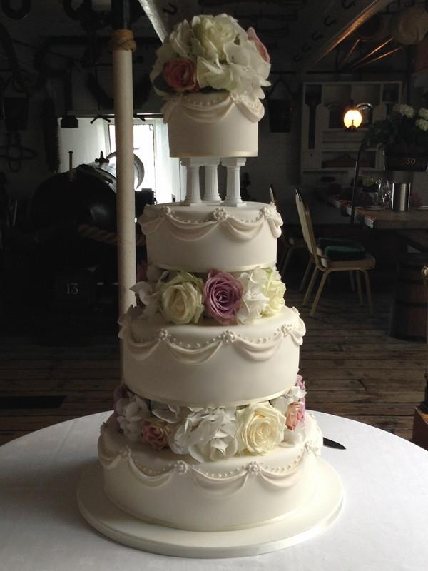 Wedding Cakes With Pillars  Wedding Cakes Archive