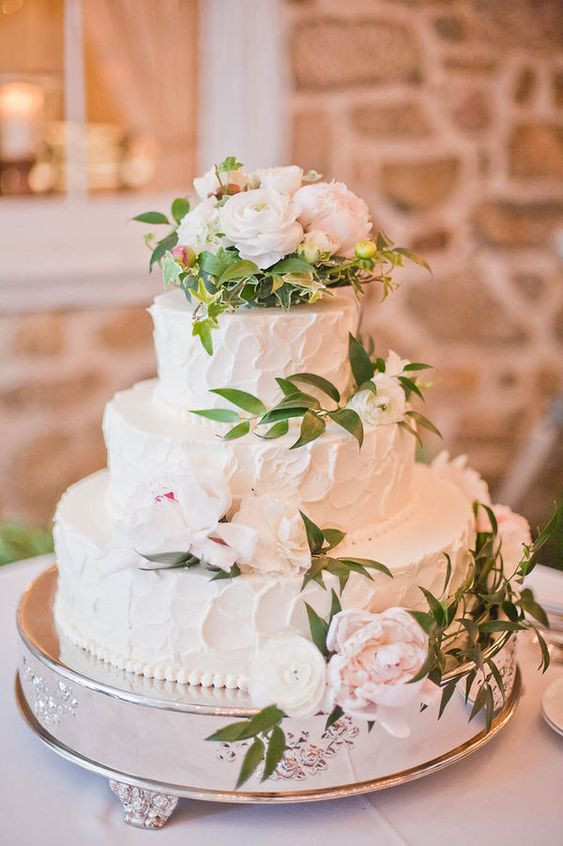 Wedding Cakes With Real Flowers  Wedding Cake with flowers and Flower on Pinterest