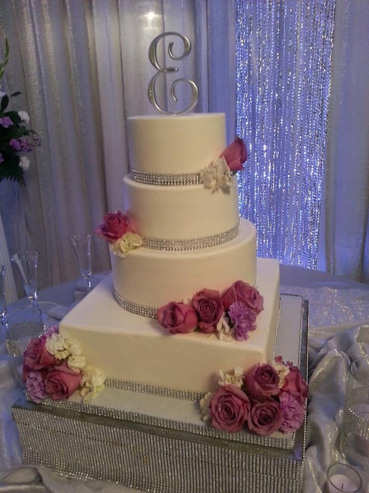 Wedding Cakes With Rhinestones  17 Best images about Bling Sparkly Wedding Cakes on