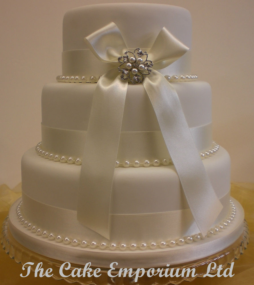 Wedding Cakes With Ribbon  WEDDING CAKE – BRIDAL PEARL BROOCH – PEARL OR DIAMANTE AND
