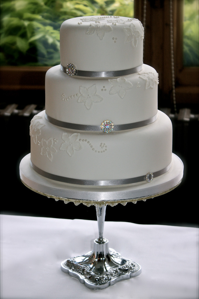 Wedding Cakes With Ribbons  Brush Embroidery Wedding Cake