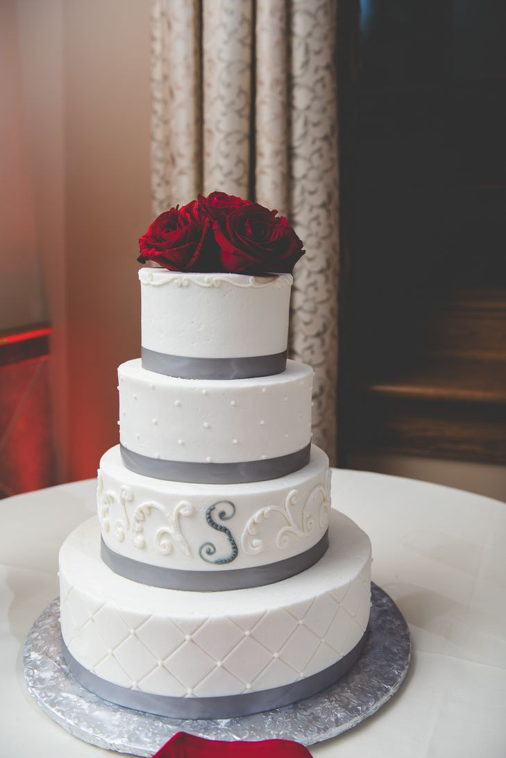 Wedding Cakes With Ribbons  White Wedding Cake with Silver Ribbon and Red Roses