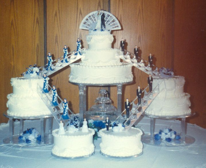 Wedding Cakes With Stairs  Wedding cake accessories stairs idea in 2017